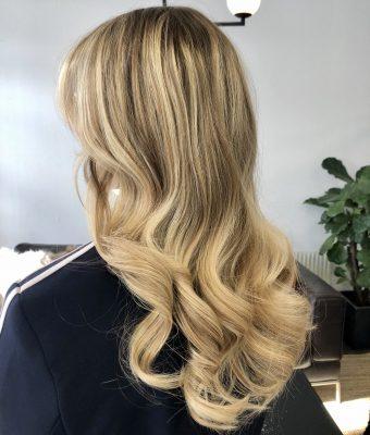 vit blond hårfärg