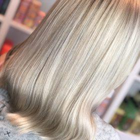 Blond hårfärg